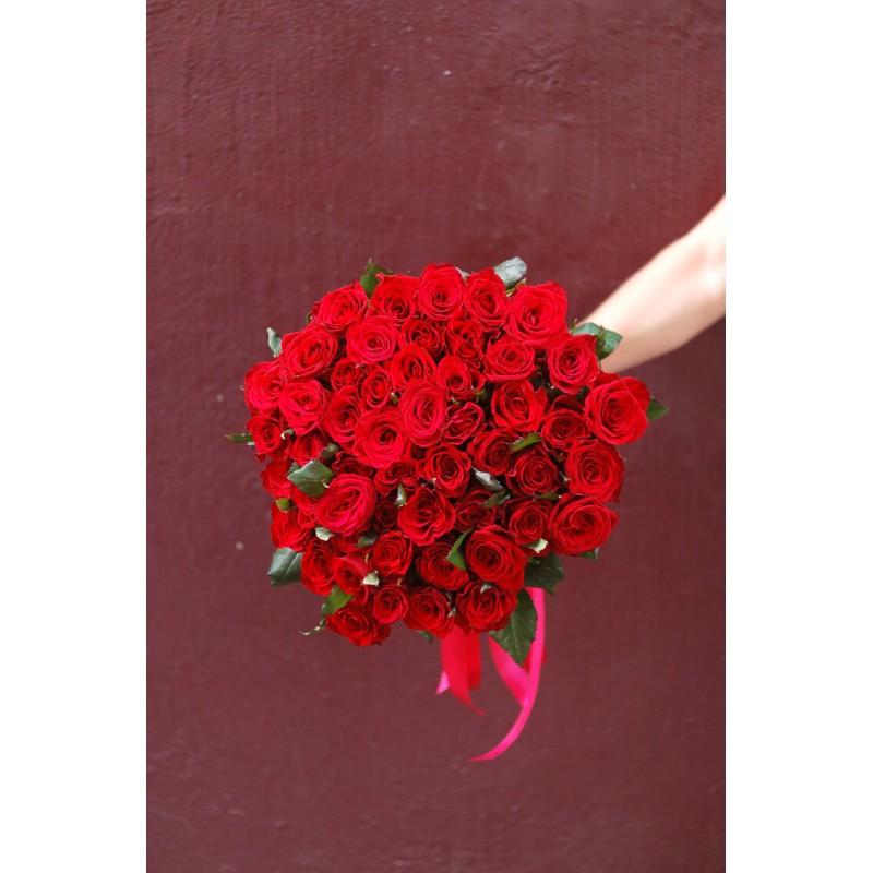 51 красная роза Гран При 50 см