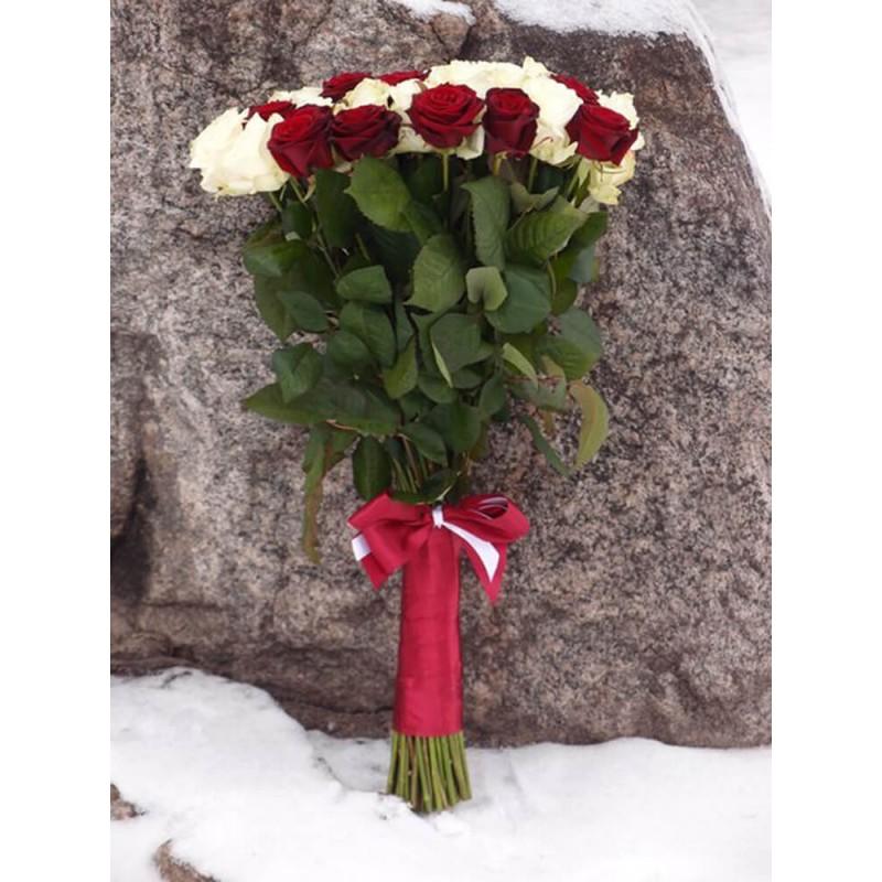 51 роза микс белая + красная 80 см